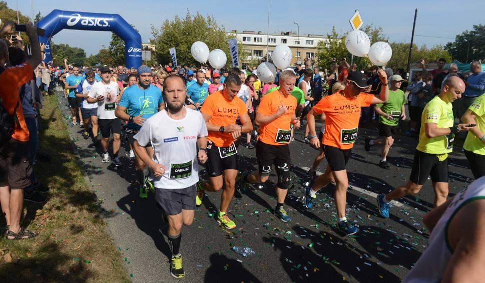 Film do artykułu: Półmaraton Zielonogórski: Nowa trasa, a na starcie nawet 1500 biegaczy! [WIDEO]