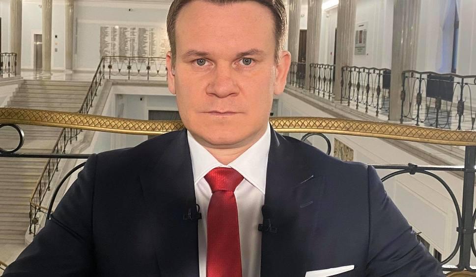 Film do artykułu: Szokująca przemiana europosła Dominika Tarczyńskiego. Poznałbyś go? (ZDJĘCIA)