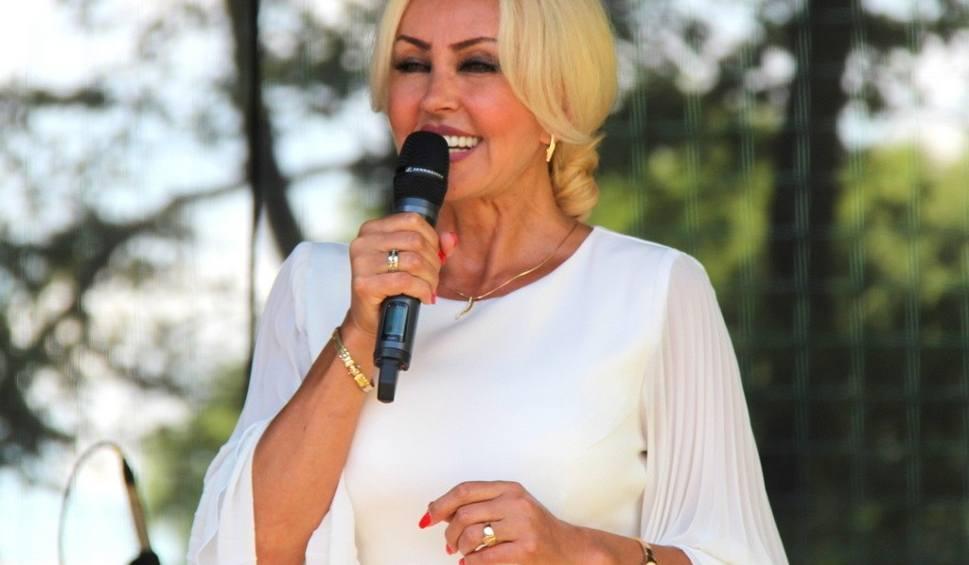 Film do artykułu: Teresa Werner gwiazdą pikniku w Okradzionowie. Dała wspaniały koncert ZDJĘCIA + WIDEO
