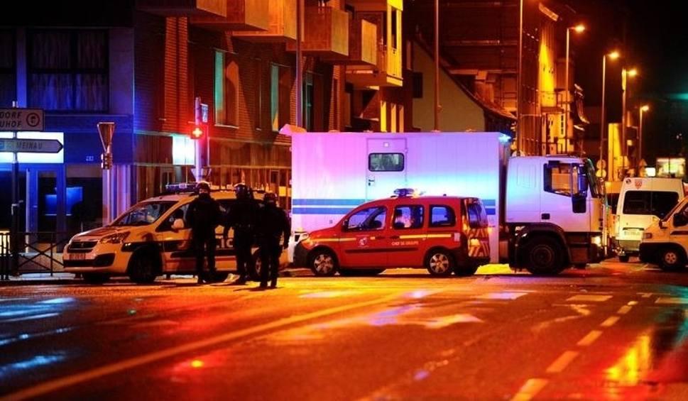 Film do artykułu: Zamach w Strasburgu: Sprawca żołnierzem ISIS. Polak z Katowic ofiarą zamachu we Francji. Cztery osoby nie żyją
