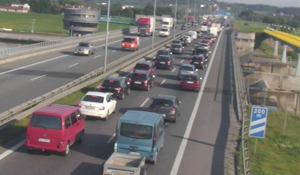 Film do artykułu: Wypadek na A4. Wielkie korki na obwodnicy Krakowa
