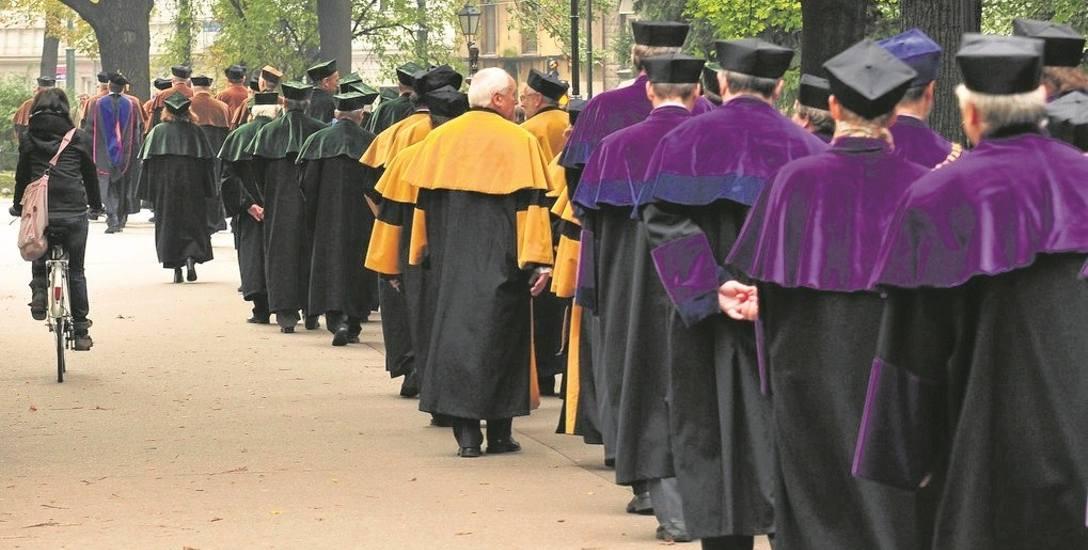 Opozycjoniści chcą lustracji uczelni
