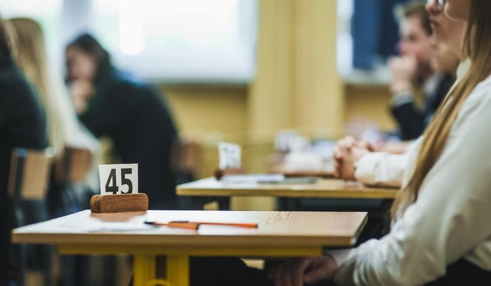 Film do artykułu: Nowe przepisy MEN dotyczące harmonogramu egzaminów, rekrutacji do szkół średnich, praktyk zawodowych w 2020 r. Minister podpisał nowelizację