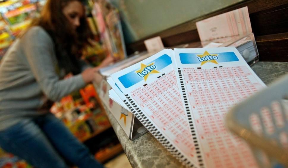 Film do artykułu: Wyniki Lotto 23.01.2021 r. Duży Lotek, Lotto Plus, Multi Multi, Kaskada, Mini Lotto, Super Szansa, Ekstra Pensja i Premia