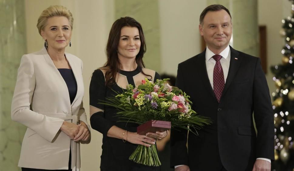 """Film do artykułu: Order dla Agnieszki Radwańskiej. Prezydent Andrzej Duda uhonorował najlepszą polską tenisistkę: """"Byliśmy dumni, obserwując pani sukcesy"""""""