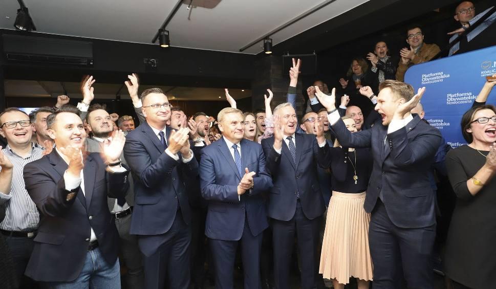 Film do artykułu: Wybory na prezydenta Białegostoku - wyniki. Kto został prezydentem Białegostoku? Nowy prezydent Białegostoku to Tadeusz Truskolaski ZDJĘCIA