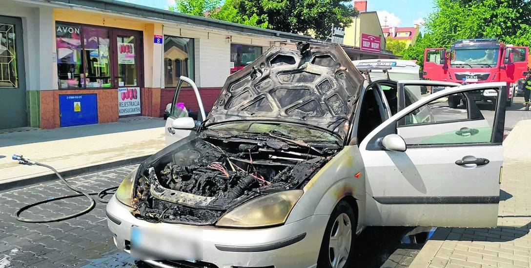 Na targowisku miejskim spłonął samochód osobowy