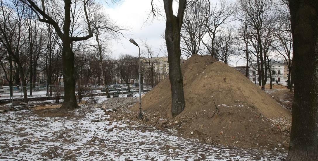 Park Moniuszki będzie większy - z fontanną i siłownią