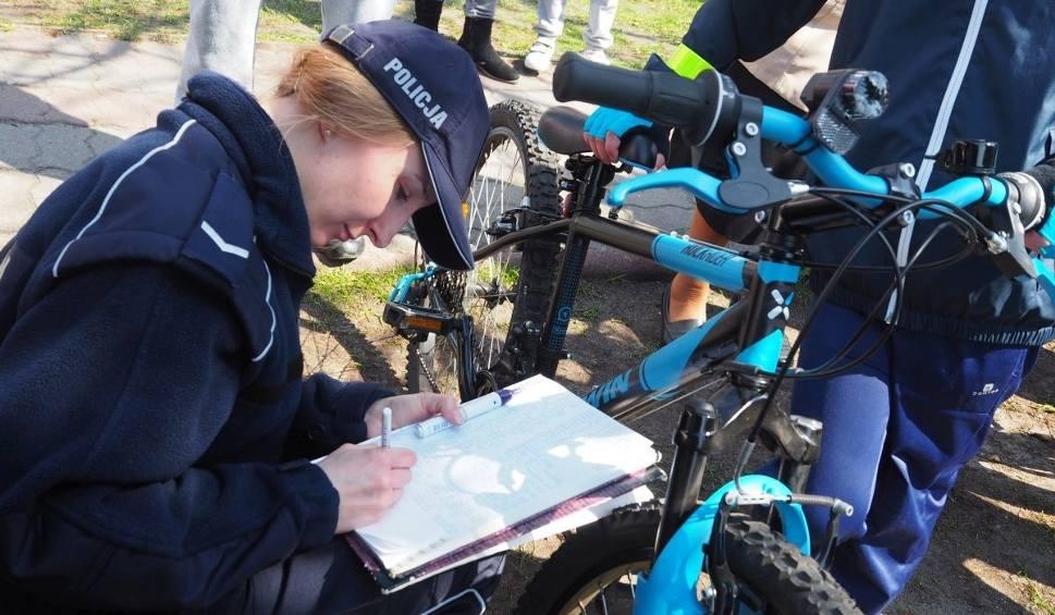 Film do artykułu: Policjanci oznakowali blisko 70 rowerów [WIDEO, ZDJĘCIA]