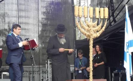 W drugim dniu Święta Ciulimu i Czulentu w Lelowie zapalono menorę