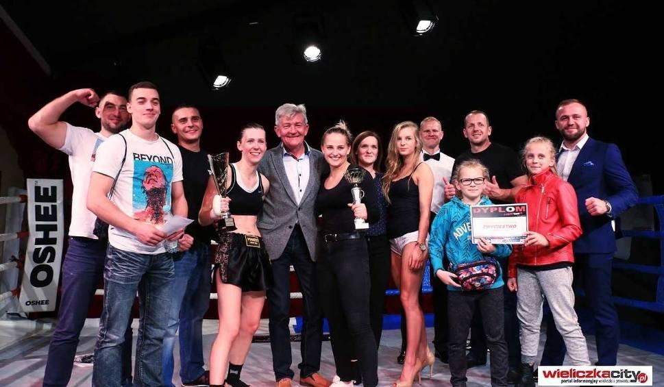 Film do artykułu: Kasprzyk i Łapaj wygrały podczas gali w Niepołomicach