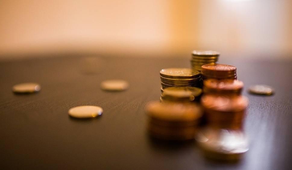 Film do artykułu: Zabraknie pieniędzy na pensje dla nauczycieli z Kielc? Wielkie poruszenie wśród pedagogów