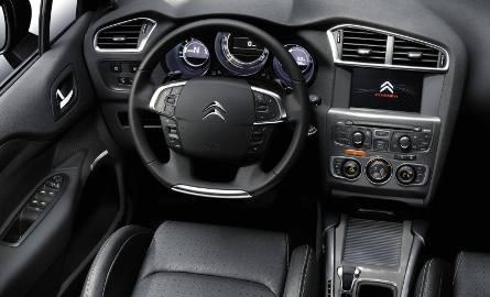 Citroen C4-ka wymasuje kierowcy plecy
