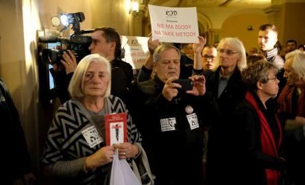 Na decyzję sądu czekali w czwartek przedstawiciele KOD-u