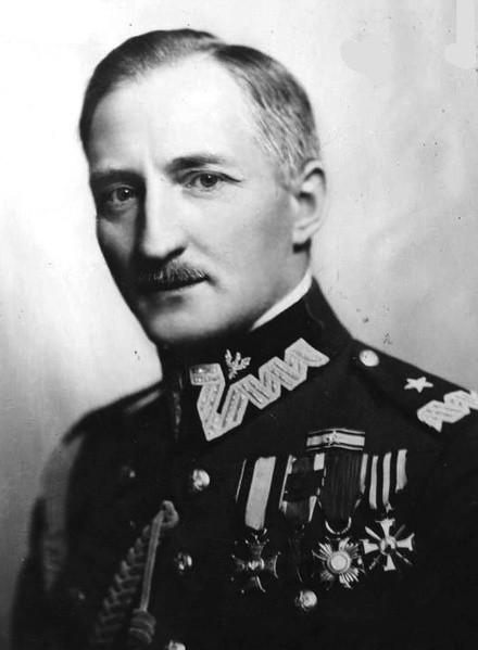 Dowódcą Okręgu Korpusu nr III w Grodnie, generał Józef Olszyna-Wilczyński.