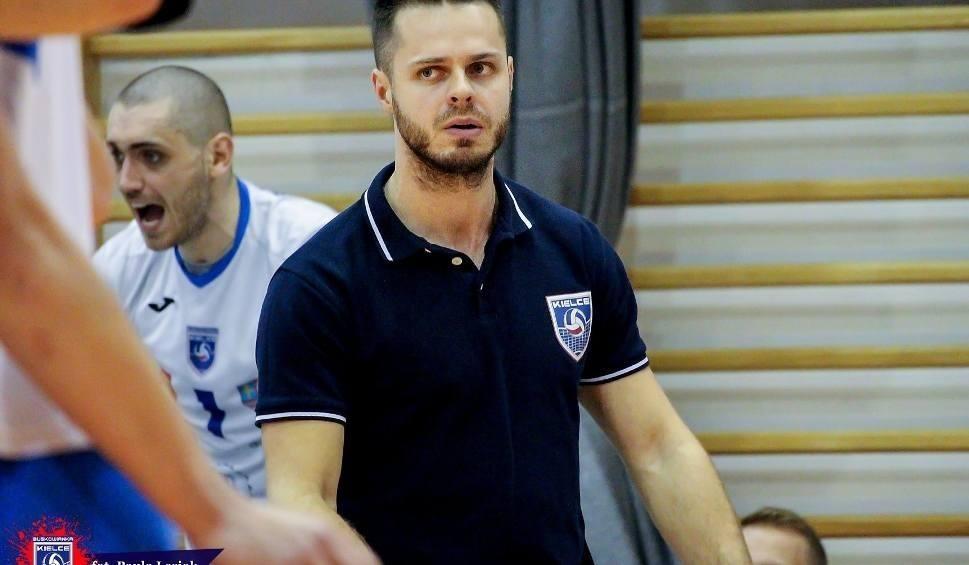 Film do artykułu: Mateusz Grabda z Buskowianki Kielce został drugim trenerem siatkarskiej reprezentacji Polski juniorów