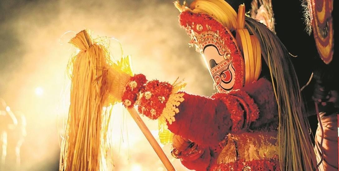 Grupa Theyyam Pattola Kar of North Malabar miała pokazać widowisko oparte na tradycyjnych rytuałach