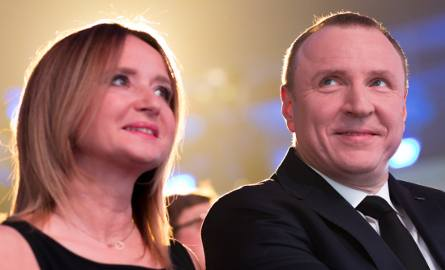 """""""Fakt"""": Joanna Klimek dostała w 2016 r. ponad 60 tys. zł premii w TVP. Jacek Kurski zapowiada pozew"""