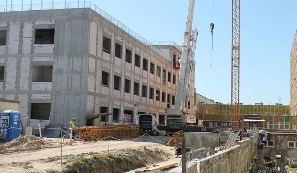 Film do artykułu: Rozbudowa szpitala w Gorzowie idzie pełną parą. Budynek, gdzie będzie OIOM i klinika hematologii już stoi