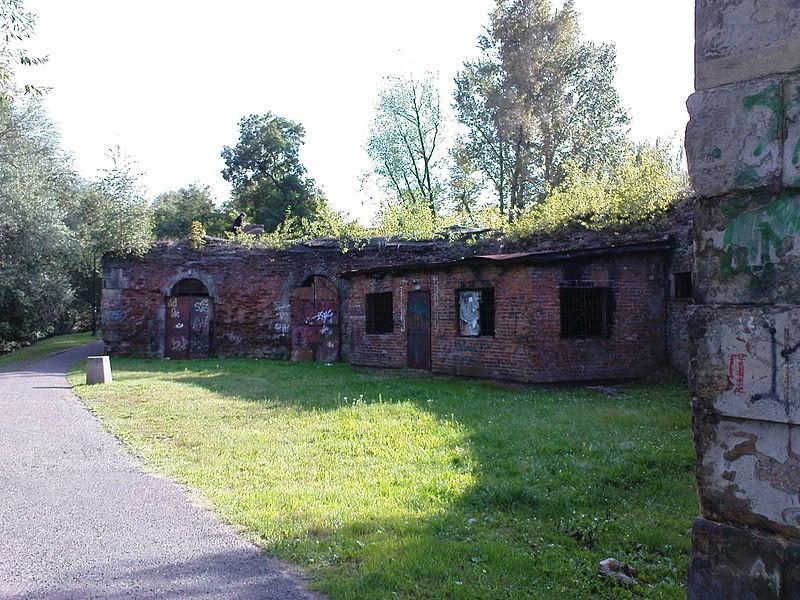 Działobitnia Cytadeli pomiędzy III i IV Bastionem, gdzie znajdowały się maszty radiostacji przy Cytadeli