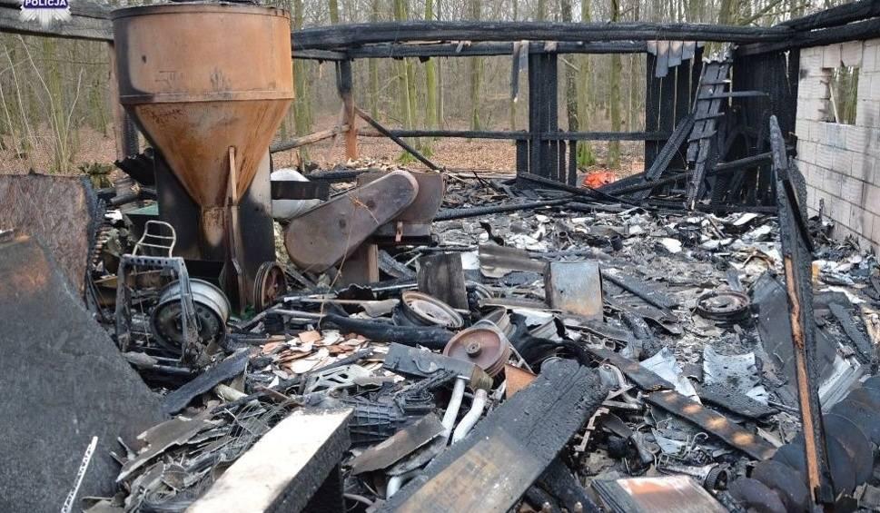 Film do artykułu: Powiat bialski: Policjanci ujęli 55-letniego podpalacza. Spowodował straty na ok. 50 tys. złotych. Został tymczasowo aresztowany