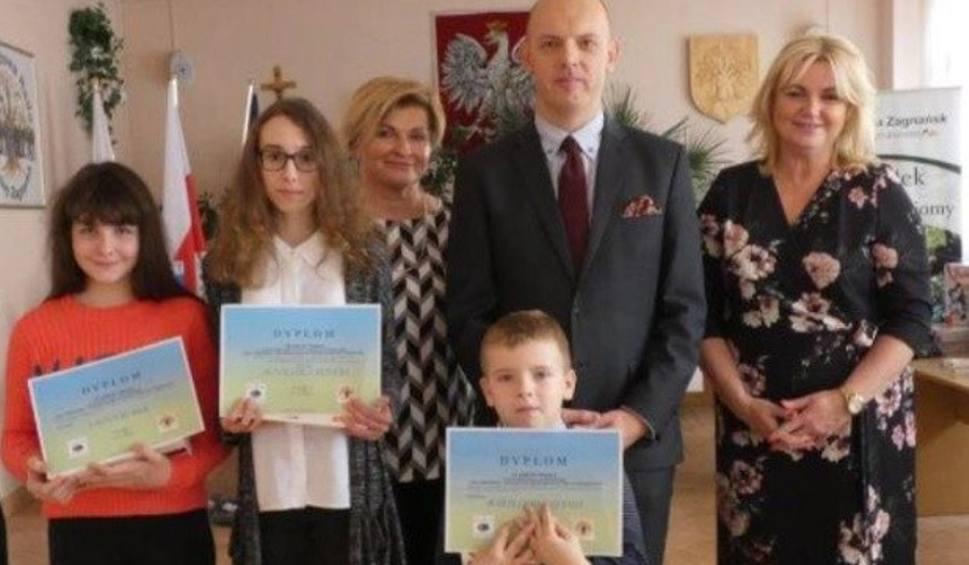 Film do artykułu: Mikołajkowe wręczenie nagród w Zagnańsku. Nagrodzono młodzież promującą ekologię