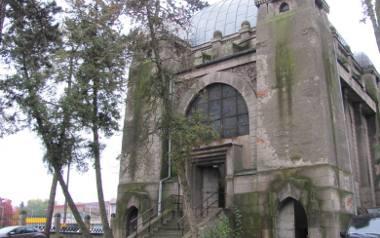 Mauzoleum na terenie pabianickiego cmentarza pięknieje ZDJĘCIA