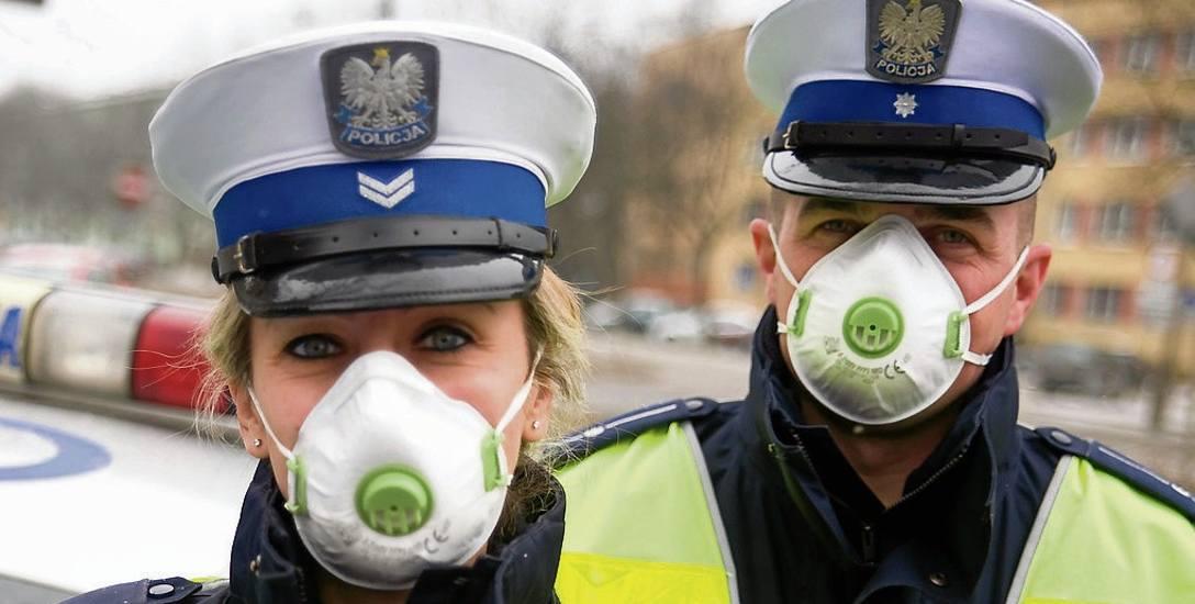 Policjanci chcą urlopów za patrole w smogu. Co z innymi zawodami?