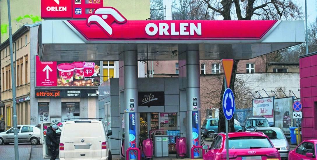 Stacja Orlen przy ul. Młyńskiej w Koszalinie proponowała w piątek benzynę bezołowiową Pb95 po 4,72 złotego za litr, natomiast olej napędowy po 4,62 złotego