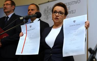 Nowy kanon lektur szkolnych 2017/2018: Poeta prawicy zamiast Iwaszkiewicza i Conrada?