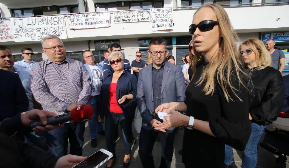 Film do artykułu: Dwa tygodnie dla prezydenta na rozwiązanie sprawy Jurajskiej 1 w Kielcach. Konferencja Projektu Świętokrzyskie Bogdana Wenty