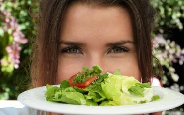 Chcąc przygotować drugie śniadanie, które dostarczy nam siły i odpowiedniej dawki składników odżywczych na niemal cały dzień, można pokierować się z