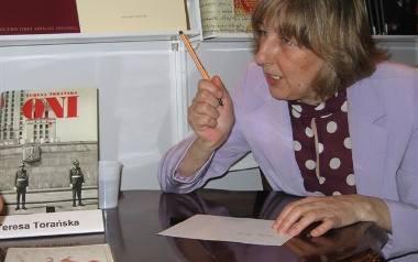 Teresa Torańska i jej kariera. Na czym polega fenomen tej ikony dziennikarstwa?