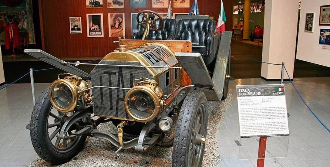 Itala 35/45 HP księcia Borghese, dziś w zbiorach Narodowego Muzeum Automobilizmu w Turynie. W wyścigu auto nie miało widocznych tu błotników-desek. Usunięto