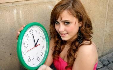 Kiedy przestawiamy zegarki? ZMIANA CZASU NA LETNI 2018. Pamiętaj o przestawieniu zegarków, na wszystkich urządzeniach elektronicznych (komputer, laptop,
