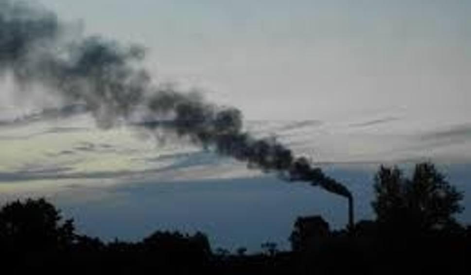 Film do artykułu: Zatrute powietrze w Radomiu i regionie. Wszystko przez spalanie śmieci w piecach?