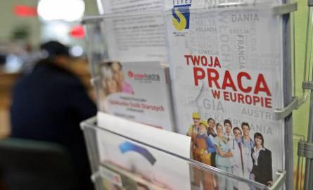 Praca za granicą. Do trzech razy wyższe pensje w Niemczech, Francji i Czechach