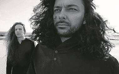 Grupę Lion Shepherd tworzy Kamil Haidar i Mateusz Owczarek. Wykonuje ona transowe etno w formule piosenki.