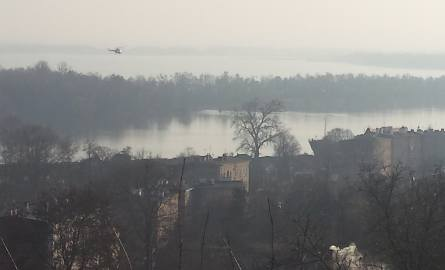 Policyjny śmigłowiec nad Odrą. Cały czas szukają studenta z Ukrainy