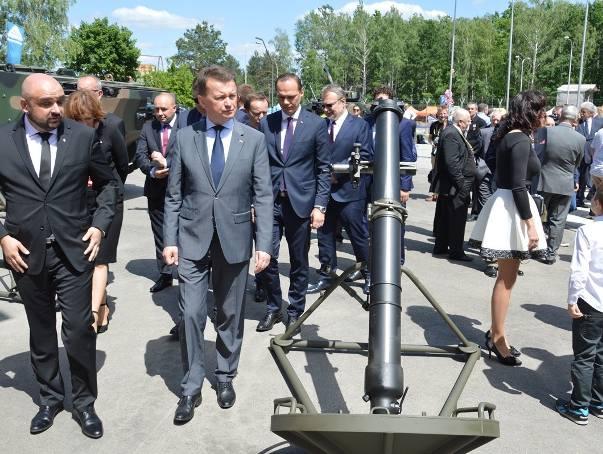 Minister obrony Mariusz Błaszczak w Hucie Stalowa Wola