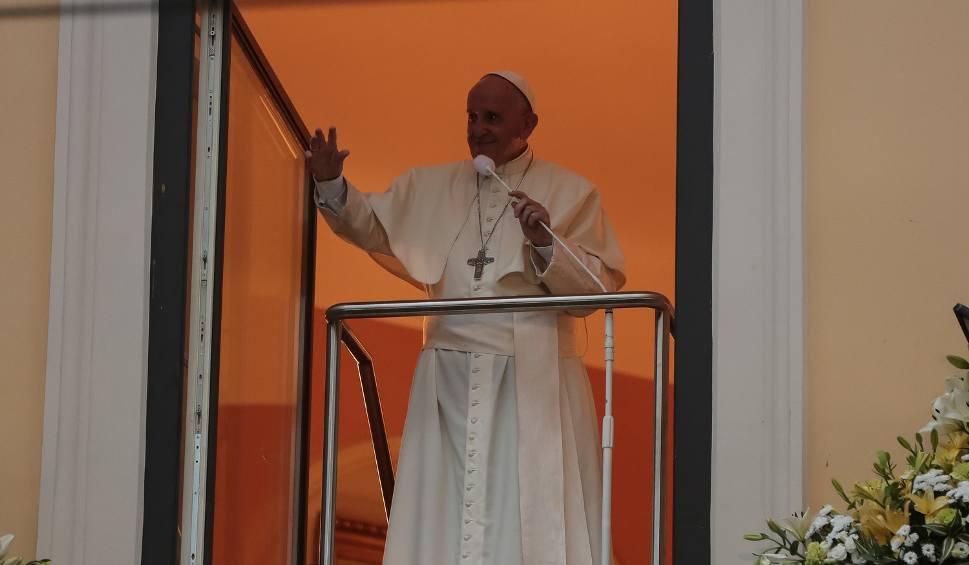 Film do artykułu: Papież w oknie: Proszę, dziękuję, przepraszam - kluczem do życia małżeńskiego
