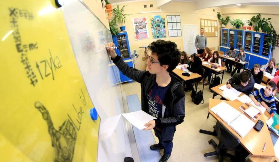 Film do artykułu: Reforma edukacji. Łódź powalczy o zwrot kosztów wprowadzenia reformy edukacji