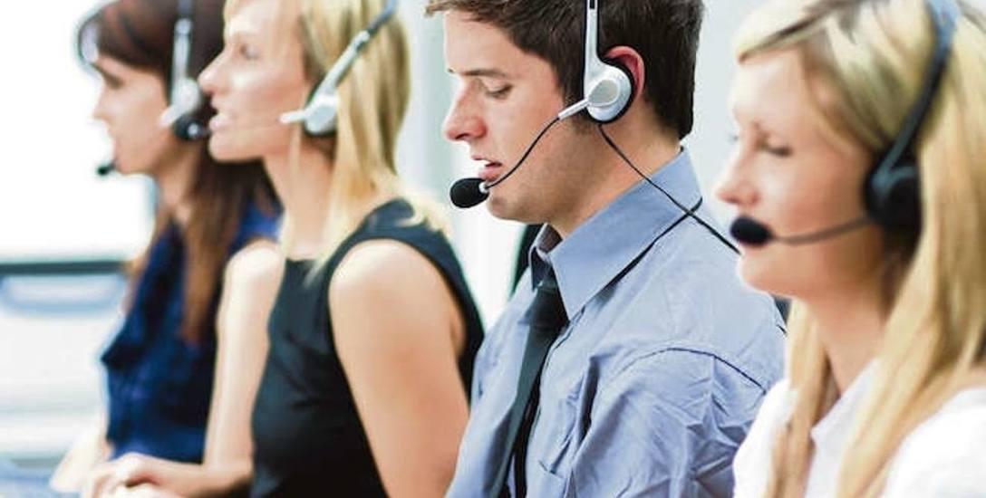 """Praca """"na słuchawkach"""" nie należy ani do lekkich, ani do najlepiej płatnych."""