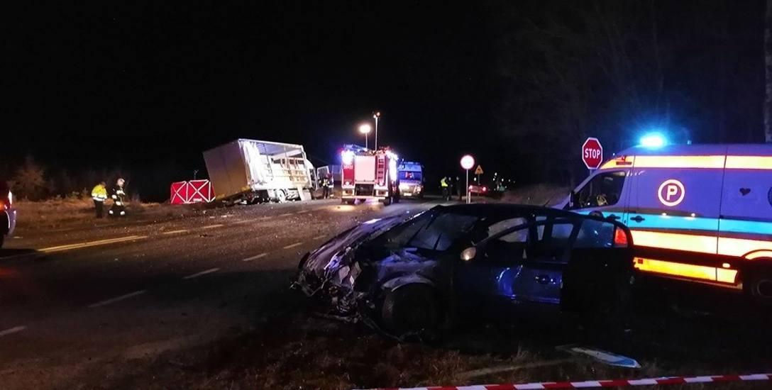 W tragicznym wypadku między Rejowem i Lasocinem zginęły dwie osoby.