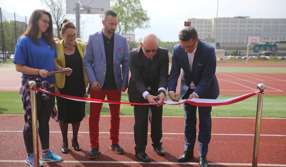 Film do artykułu: Otwarcie boiska wielofunkcyjnego Śląskiego Uniwersytetu Medycznego w Katowicach WIDEO+ZDJĘCIA