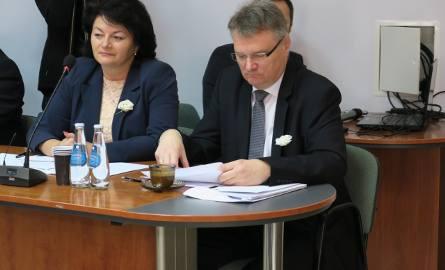 Jadwiga Wójtowicz jest radną powiatową, pracuje w klubie Prawa i Sprawiedliwości.