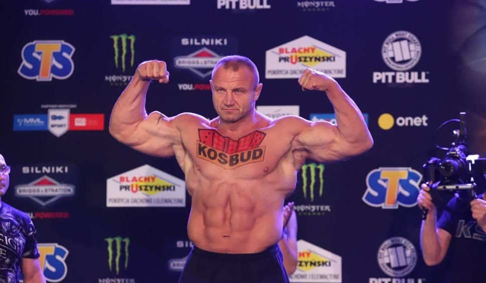 Film do artykułu: Mariusz P. jest oskarżony o przywłaszczenie mienia. Byłemu strongmanowi grozi do pięciu lat pozbawienia wolności