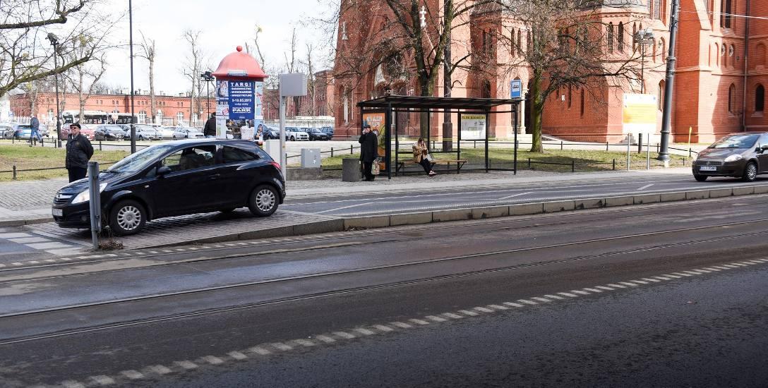 Przystanki wiedeńskie, czyli takie, na których zrównano poziom jezdni z chodnikiem i spowolniono ruch, są już w niektórych polskich miastach, np. w