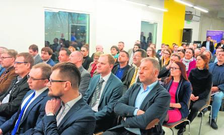 Pierwsze w tym roku spotkanie stołu gospodarczego było wyjątkowo tłumne. W Centrum Biznesu Fundacji Rozwoju Śląska dyskutowano m.in. o związkach firm