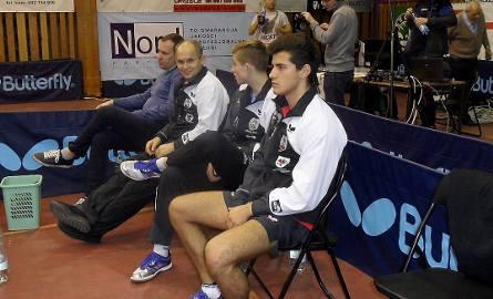 Konrad Kulpa (Energa Manekin Toruń)  nie był zadowolony z porażki z Bartoszem Suchem (Olimpia/Unia) 1:3